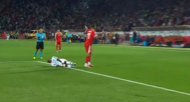 Barcelona vreest zware blessure na stevige charge van Kolarov
