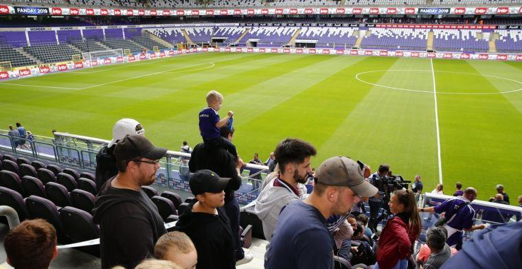 Anderlecht stelt nieuw derde shirt voor, ook kleur van logo verandert