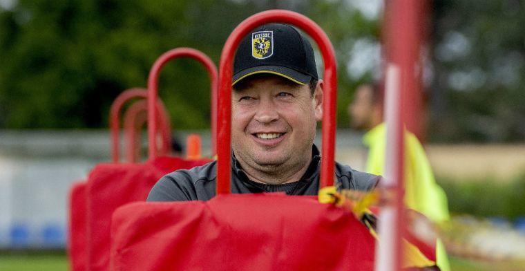 Slutsky waakt voor PSV-talent: 'Geboren in 2002 en nu al in het eerste elftal'