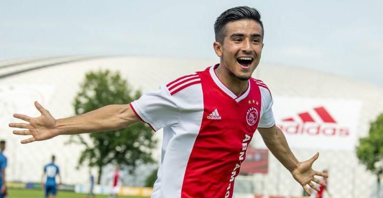 Ajax-talent Ünüvar (16) traint mee bij hoofdmacht en krijgt knuffel van Ziyech
