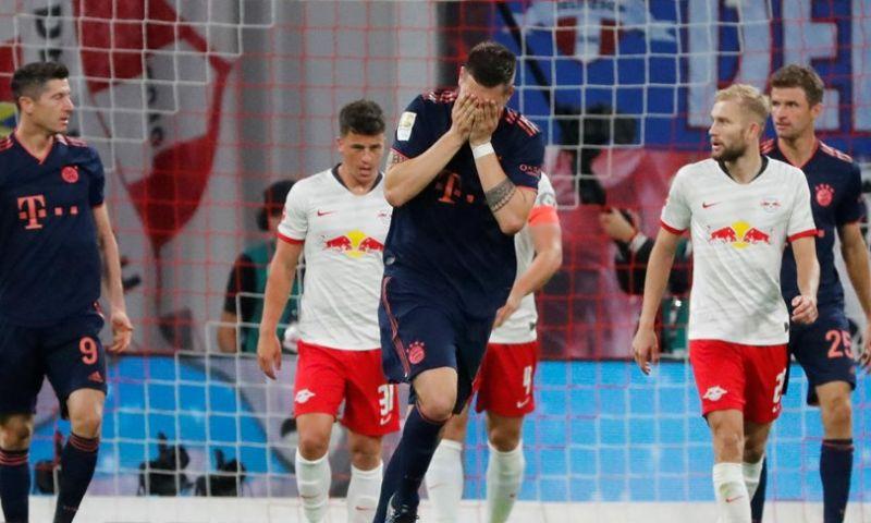 Afbeelding: Bayern vergeet door te drukken en ziet Leipzig punt uit het vuur slepen