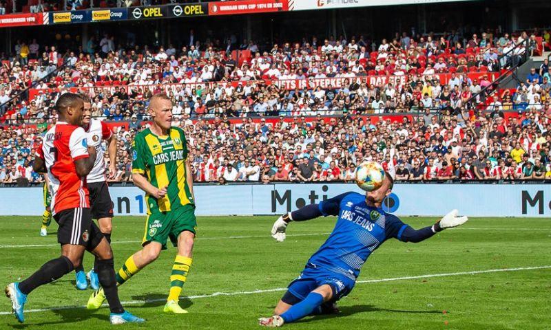 Afbeelding: Feyenoord houdt ternauwernood stand tegen ADO na curieuze eigen doelpunten