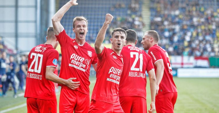 Ongeslagen Twente houdt stand in Sittard na snel rood en klimt op naar plek drie
