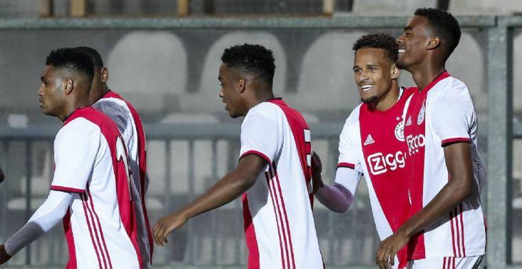 Jong Ajax verslaat Jong PSV, Van Hooijdonk de held van NAC, NEC mazzelt