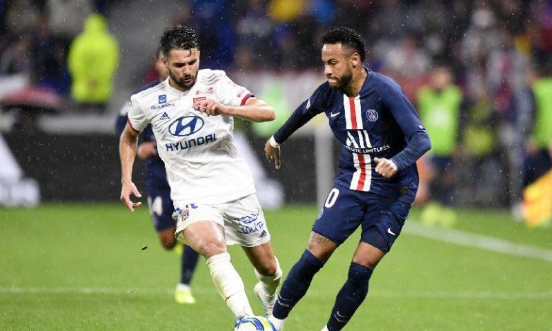 Afbeelding: Neymar doet het weer: late goal levert PSG de zege op tegen Lyon