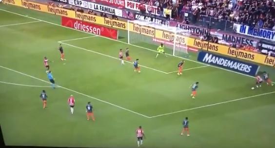 Lekkere solo: Ihattaren glijdt langs Ajax-verdedigers en poort Tagliafico