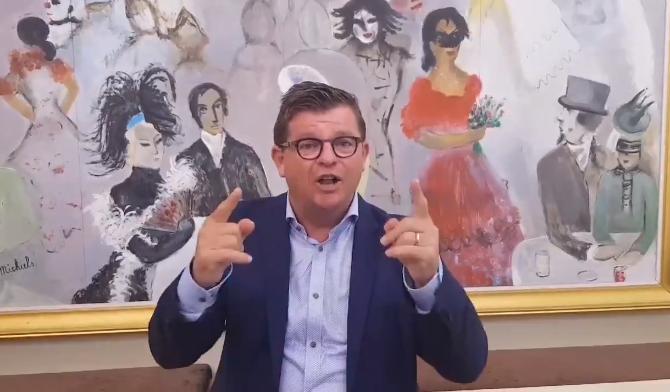 Oostende burgemeester Tommelein roept op om tegen Antwerp te supporteren