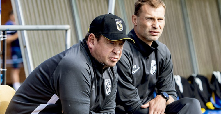 Slutsky baalt in aanloop naar thuisduel: 'Slechtste sinds mijn komst bij Vitesse'