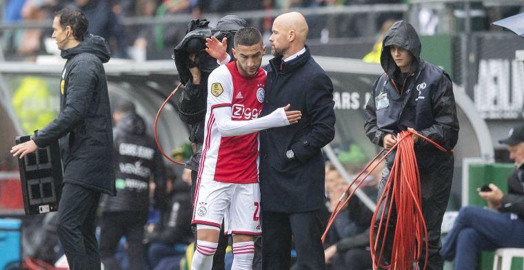 Ten Hag verklaart Ajax-wissel: 'Ja, die heeft klachten. De diagnose weet ik niet'