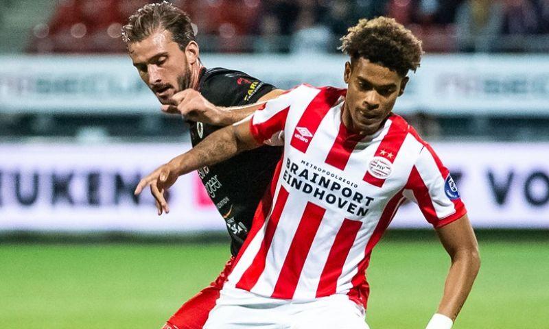 Afbeelding: 'Van Bommel beloont Jong PSV-uitblinker: aanvaller traint mee met eerste elftal'