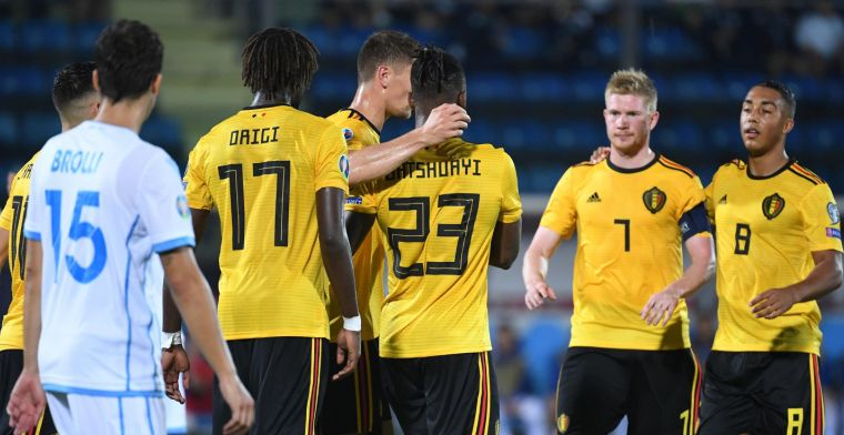 'Martinez gooit basiself tegen San Marino dooreen en gunt spelers minuten'