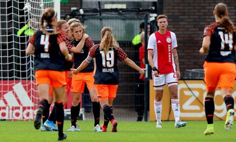 Afbeelding: PSV Vrouwen winnen in Amsterdam van Ajax; streekderby is prooi voor Excelsior