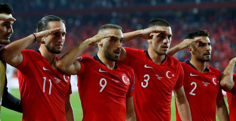 Update: UEFA kan weer naar Turkije kijken, ook na 1-1 in Parijs militaire gebaren