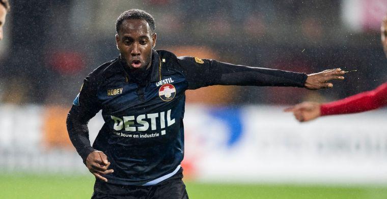 Duo houdt conditie op peil bij Jong Ajax: 'Ben voor veel teams een versterking'