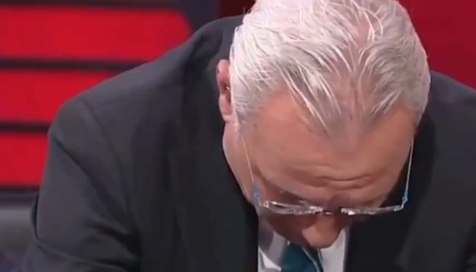 Bulgaarse legende Stoichkov in tranen op tv: 'Sluit Bulgarije 5 jaar uit'