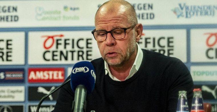 'Is hij er wel? Ik zie ook geen foto's van Johnston bij Feyenoord. Is hij er wel?'