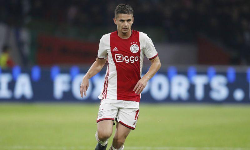 Afbeelding: Marin wacht geduldig op zijn kans in de Ajax-basis: