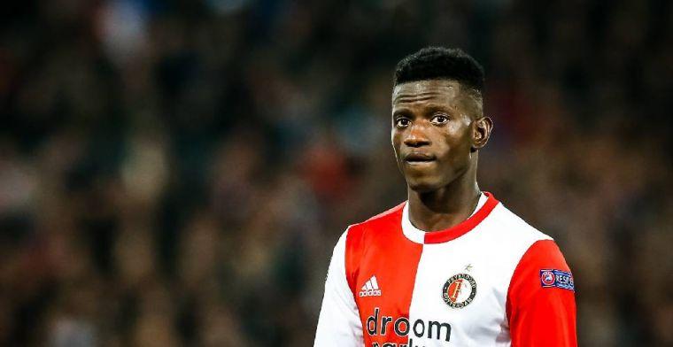 Ié undercover: 'Niet gebruikelijk dat Feyenoord-spelers op Ajax-tribune zitten'