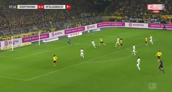 GOAL: Hazard zet Reus op weg naar de 1-0, Dortmund op voorsprong tegen de leider