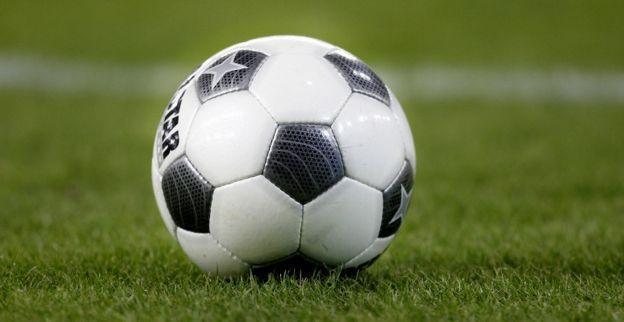 Gekkenwerk in 1e Amateur: 'Voorzitter ontslaat alle spelers voor wedstrijd'