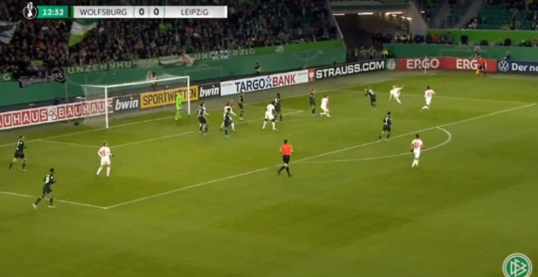 Ouderwetse flipperkast in Wolfsburg: halve omhaal, eigen goal van Bruma