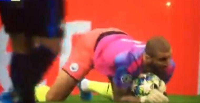 Hilarische beelden: 'doelman' Walker vangt bal en volgt dringend advies Mendy op