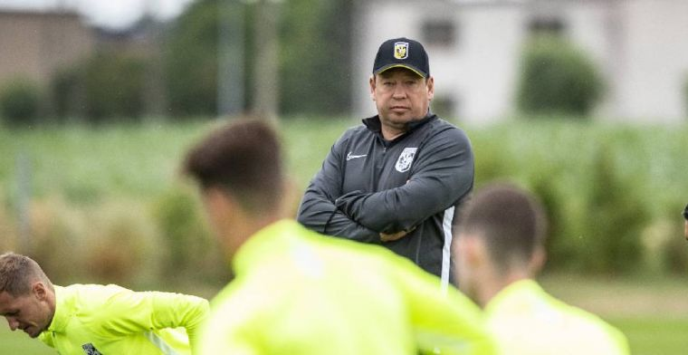 De Gelderlander: Slutsky staat voor gigantisch bedrag op loonlijst van Vitesse