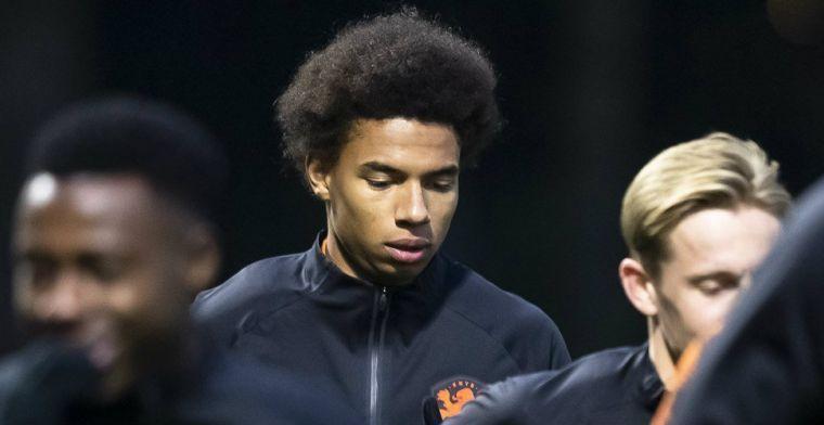 Kluivert richt zich tot Koeman: 'Je moet hem laten proeven aan het grote werk'