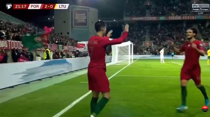 Ronaldo hard op weg naar nummer 100: schitterende uithaal van Portugese ster