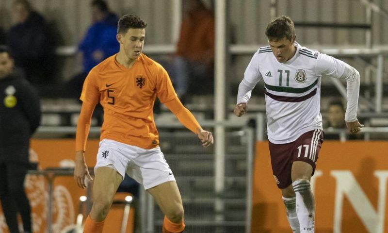 Afbeelding: 'Ajax, PSV én Real Betis tonen interesse in jonge Mexicaanse aanvaller'