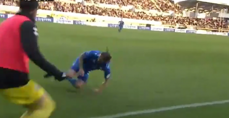 Bulthuis iets té enthousiast na goal: verdediger breekt bijna zijn knieën