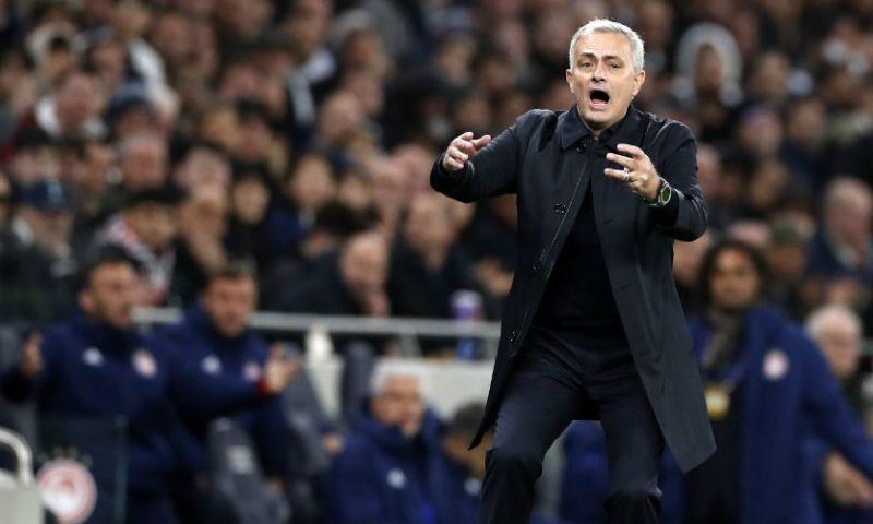 Afbeelding: Ballenjongen krijgt complimenten van Mourinho: