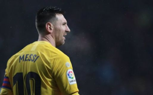 Messi wint zesde Gouden Bal in zijn loopbaan en verwijst Van Dijk naar plaats twee