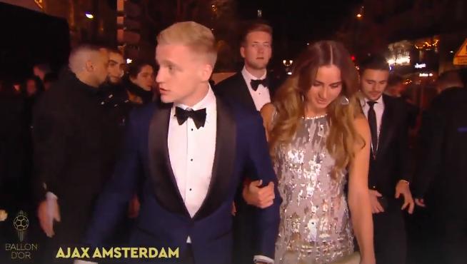 Genieten: Ajax-delegatie op de rode loper in Parijs voor Ballon d'Or-uitreiking
