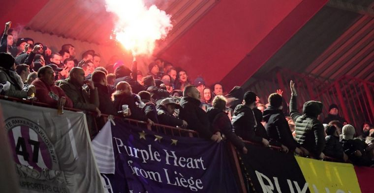 Fans Olympique Lyon eren supporters Anderlecht met spandoek
