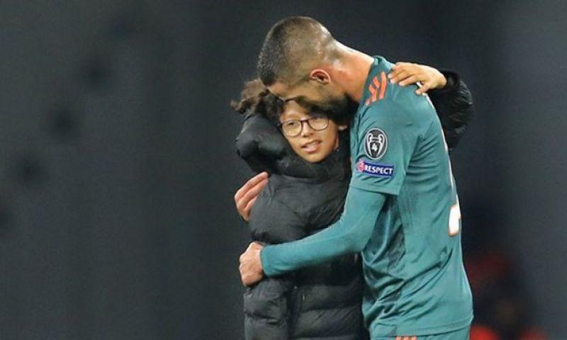 Afbeelding: Jonge veldbestormer zette shirt Ziyech niet op eBay: 'Ik moest snel weg'