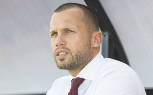 Heitinga lacht, Kuyt baalt: Ajax-talenten winnen met ruime cijfers in De Kuip