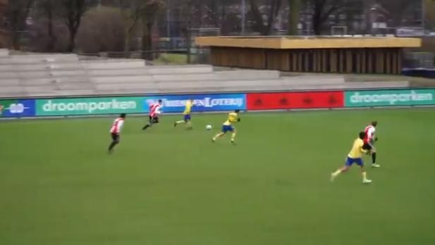 Schrijnend: Ayoub loopt kantjes ervan af bij Jong Feyenoord en leidt tegengoal in