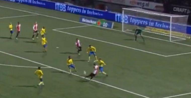 Heerlijk doelpunt in Nederland: Feyenoord-aanvaller krult bal prachtig in kruising