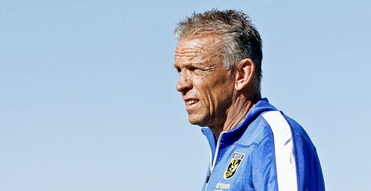 Vitesse heeft overschot aan spitsen: 'Zolang ik trainer ben, gebeurt dat niet'