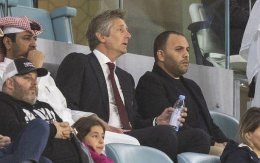Van der Sar onder vuur: 'Wie gaat hem eens op zijn flikker geven?'