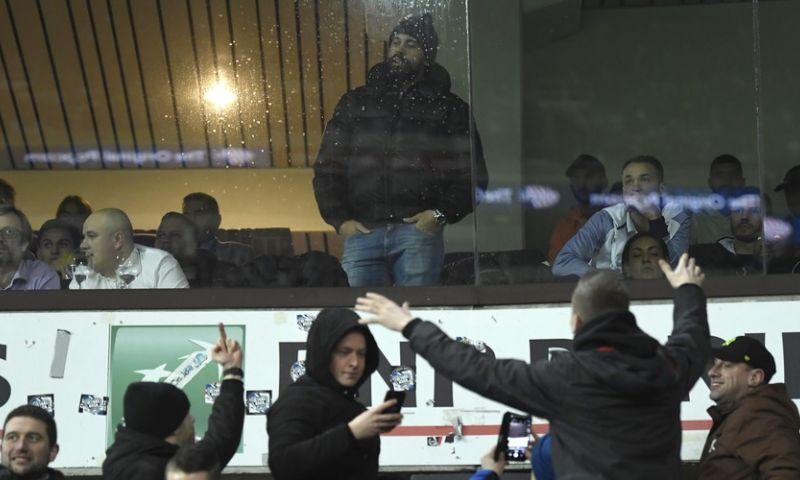 Afbeelding: UPDATE: Politie moest Vanden Borre wegleiden uit loges Club Brugge