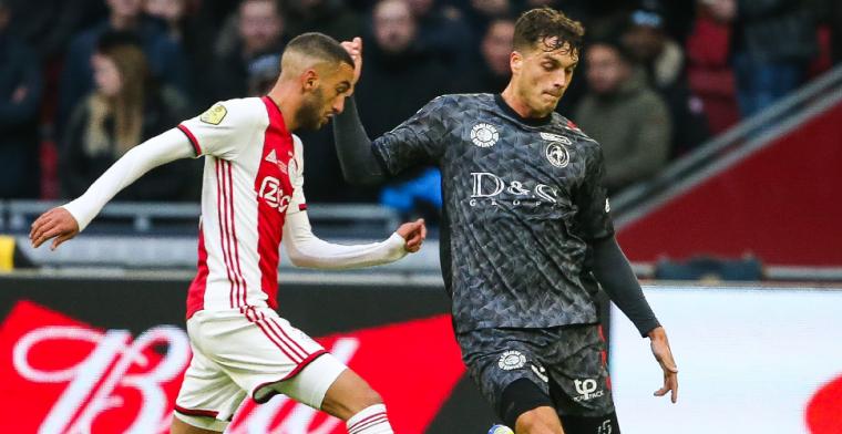 Ajax wacht af: geïrriteerde Ziyech raakt geblesseerd tegen Sparta