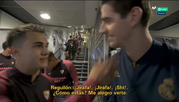 LOL! Reguilón begroet 'giraf' Courtois voor partij tussen Sevilla en Real Madrid