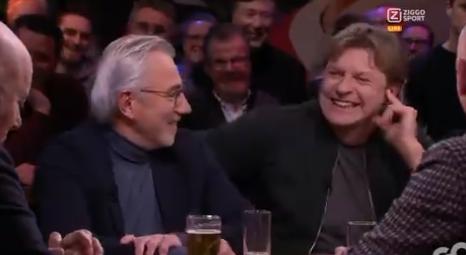 Gewaagde opmerking Mulder over Ajax - Spakenburg: 'Eindelijk wit geld in de kas'
