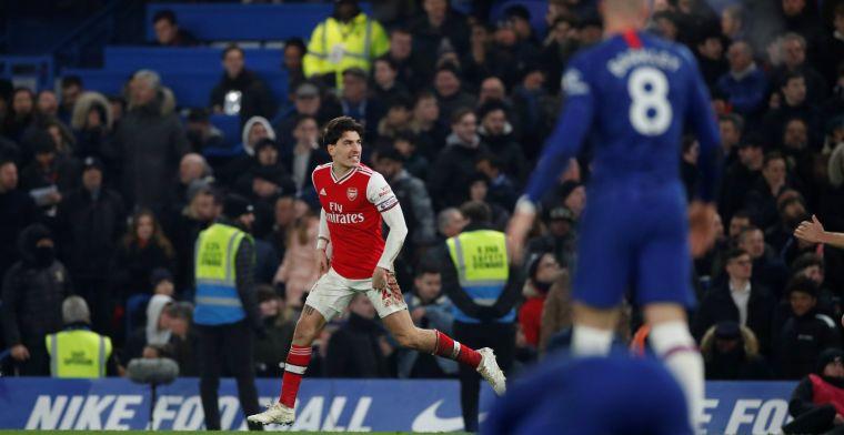 Chelsea geeft voorsprong twee keer weg tegen tien man Arsenal in heerlijke derby
