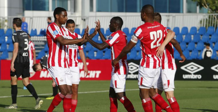 PSV in speciale shirts tegen FC Twente: De Jong, Salcido en Beasley werken mee