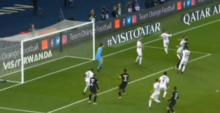 Knullig eigen doelpunt bij PSG-Montpellier: Congré 'kopt' bal achter eigen keeper