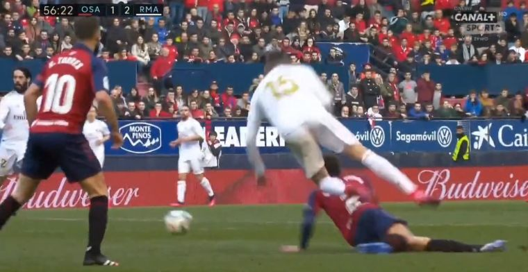 Valverde krijgt vliegles tijdens Osasuna-Real Madrid: schandalige vliegende tackle