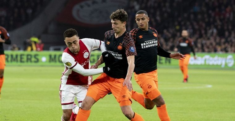 Geruchten rond transfersom voor Ajax-speler Dest: 'Gaf Bayern geen commentaar op'